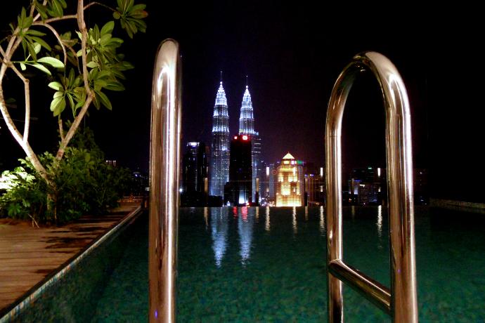Kuala Lumpur Twin Towers LiveLikeTom-com