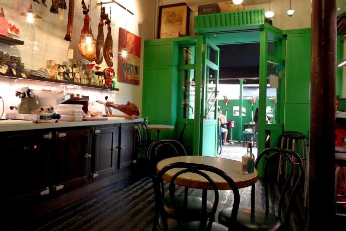 bodega 1900 interior barcelona liveliketom