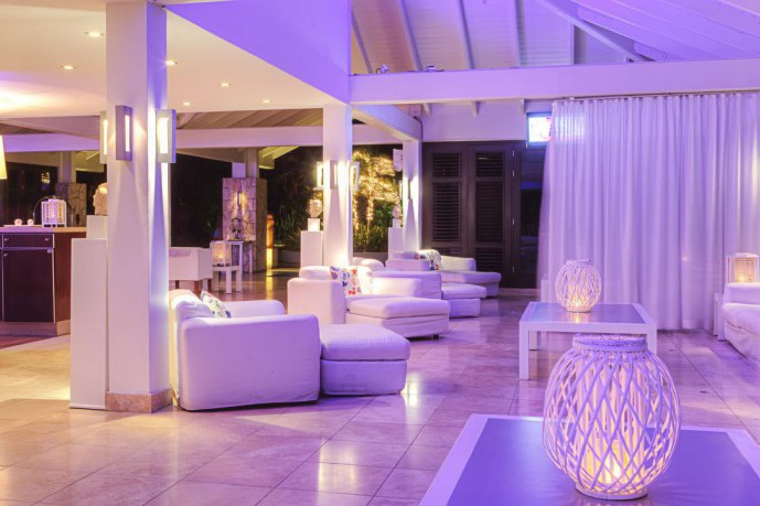 floris suite hotel lobby
