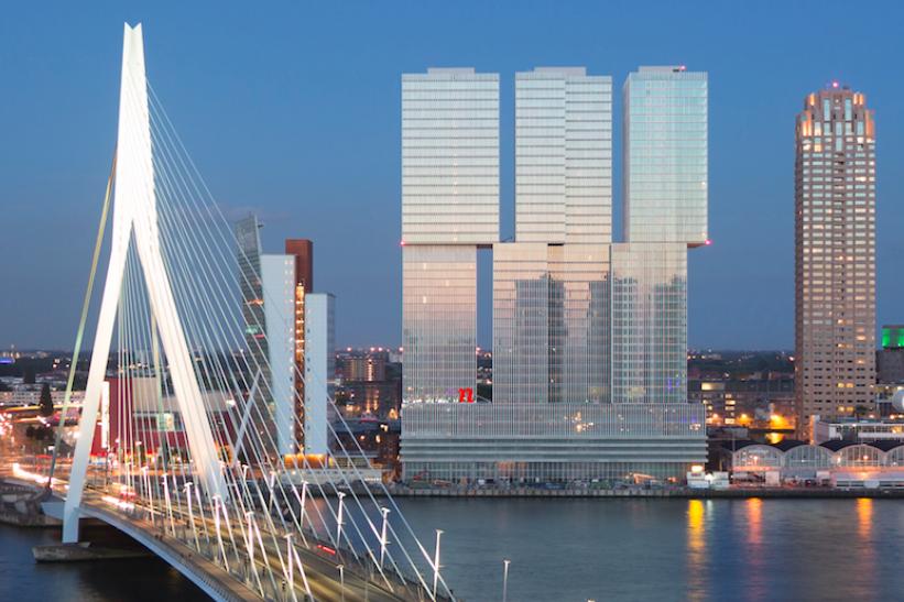 rotterdamse hotelnacht uitzicht erasmusbrug
