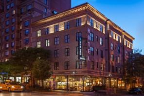 Wakker worden naast Antonio Biaggi in The Gem Hotel – New York