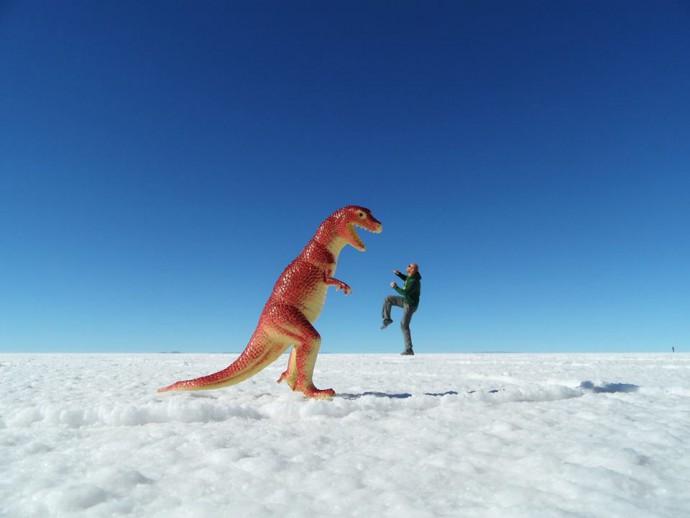 Bolivia Salar de Uyuni Dino fight