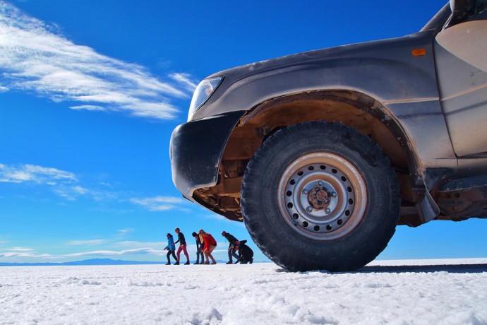 Bolivia Salar de Uyuni Car
