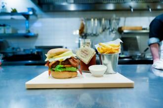 Best hamburger Rotterdam Chef Diego @ Stroom - Bar, Lounge, Kitchen, Hotel