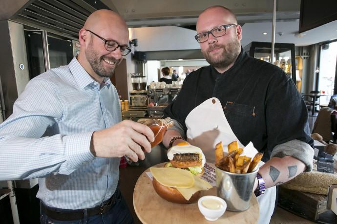 Chef Diego en LiveLikeTom met de Beste Hamburger in Rotterdam 2015