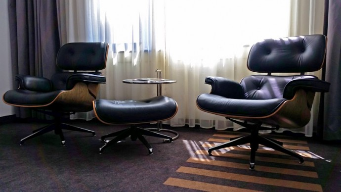 eames-lounge-chair-westcord-wtc-hotel-leeuwarden-interior-room