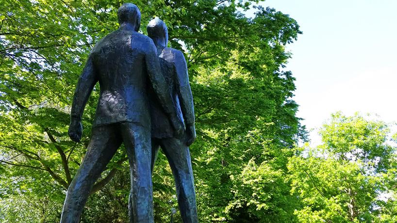 gay leeuwarden statue prinsentuin