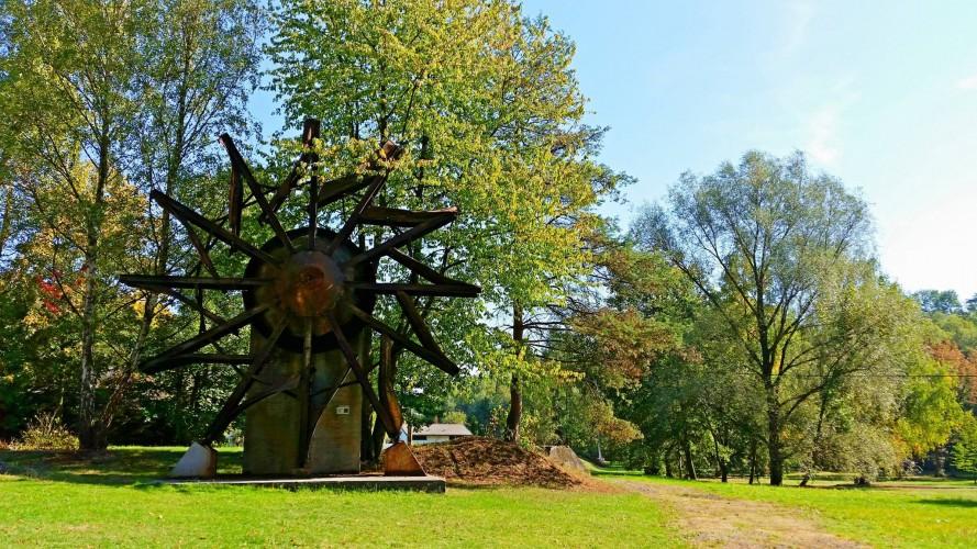 Landekpark-Ostrava-minery-park-hiking-green