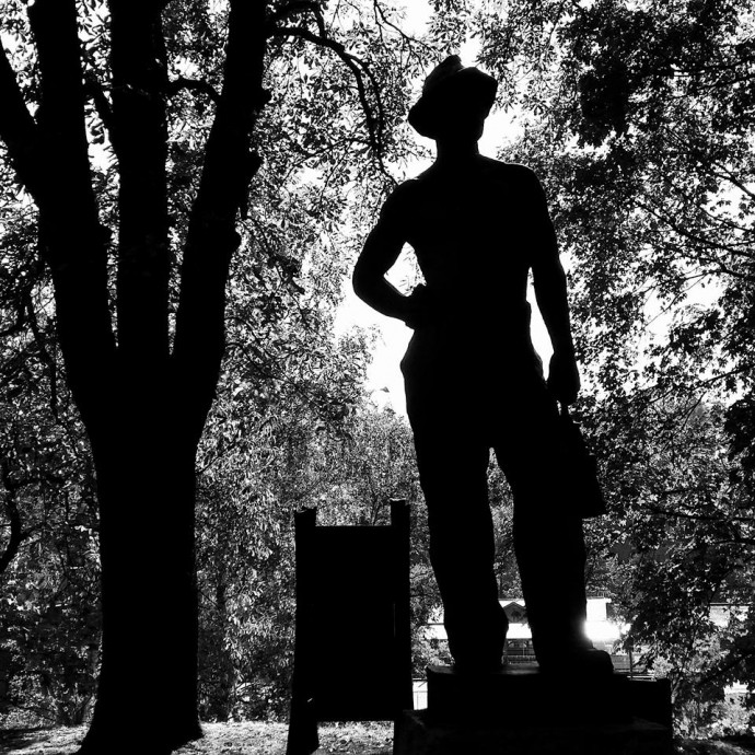 miner statue landekpark ostrava czech republic