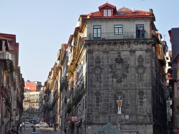 gay travel blog gay Porto Ribeira