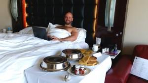 breakfast in bed las vegas gay couple gay vegas