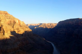 flying over grand canyon per helicopter from las vegas
