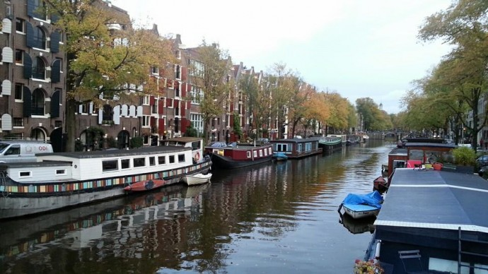 amsterdam canals in autumn
