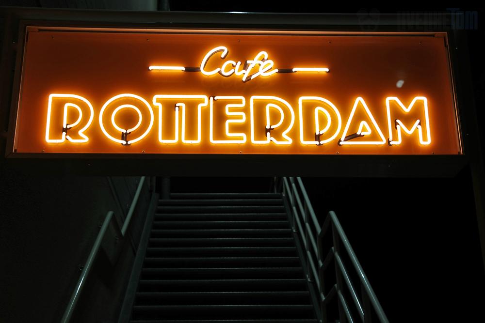 café Rotterdam neon sign