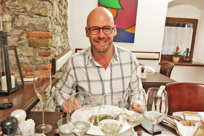 gay-travel-blogger-in-slovenie-food-travel-blog