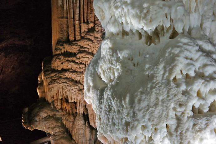 iconic-minerals-postojna-cave-natural-wonder