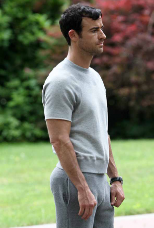 justin theroux sweatpants