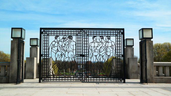 naked men gate fence vigeland park oslo