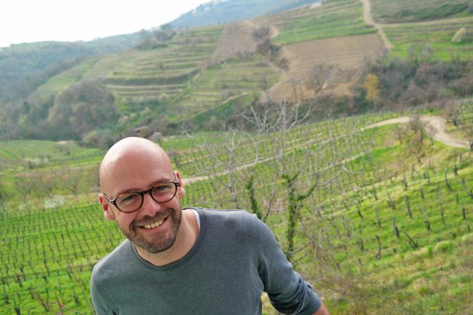 gay-travel-blogger-liveliketom-in-brda-slovenia-wine-tasting-luxury-travel