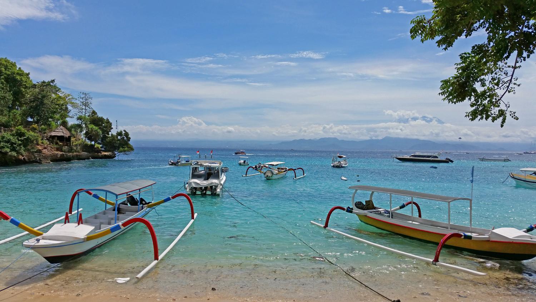 nusa lembongan indonesia bali gay travel