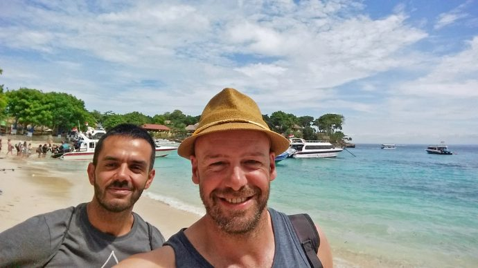 gay couple travel bali lembongan