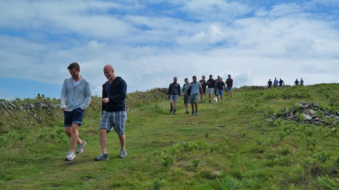 gay group hiking homo wandel club burgers en buitenlui