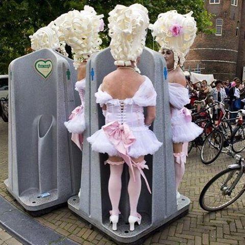 darg queen urinal baroque