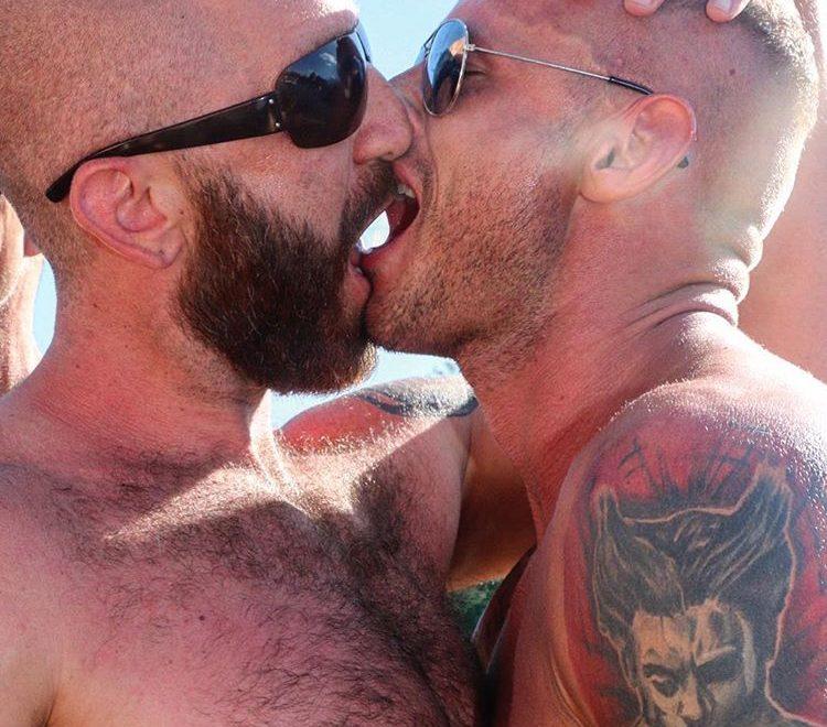 two hot guys kissing amsterdam pride