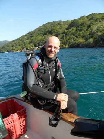 gay scuba dive serge -founder liveliketom gay travel blog