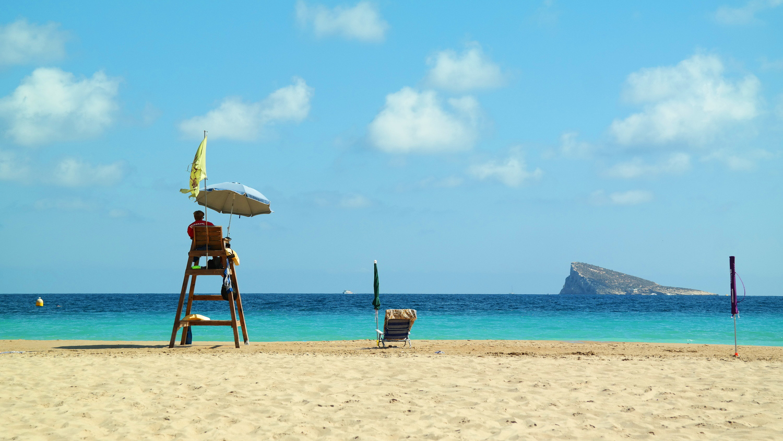Poniente Beach Benidorm Spain - verlaten strand Spanje