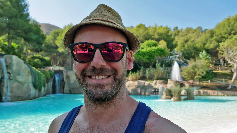 Serge founder of the kinda gay travel blog LiveLikeTom.com