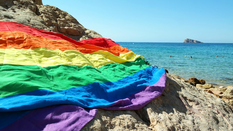 fouta regenboog rainbow towel benidorm beach zusenzomer