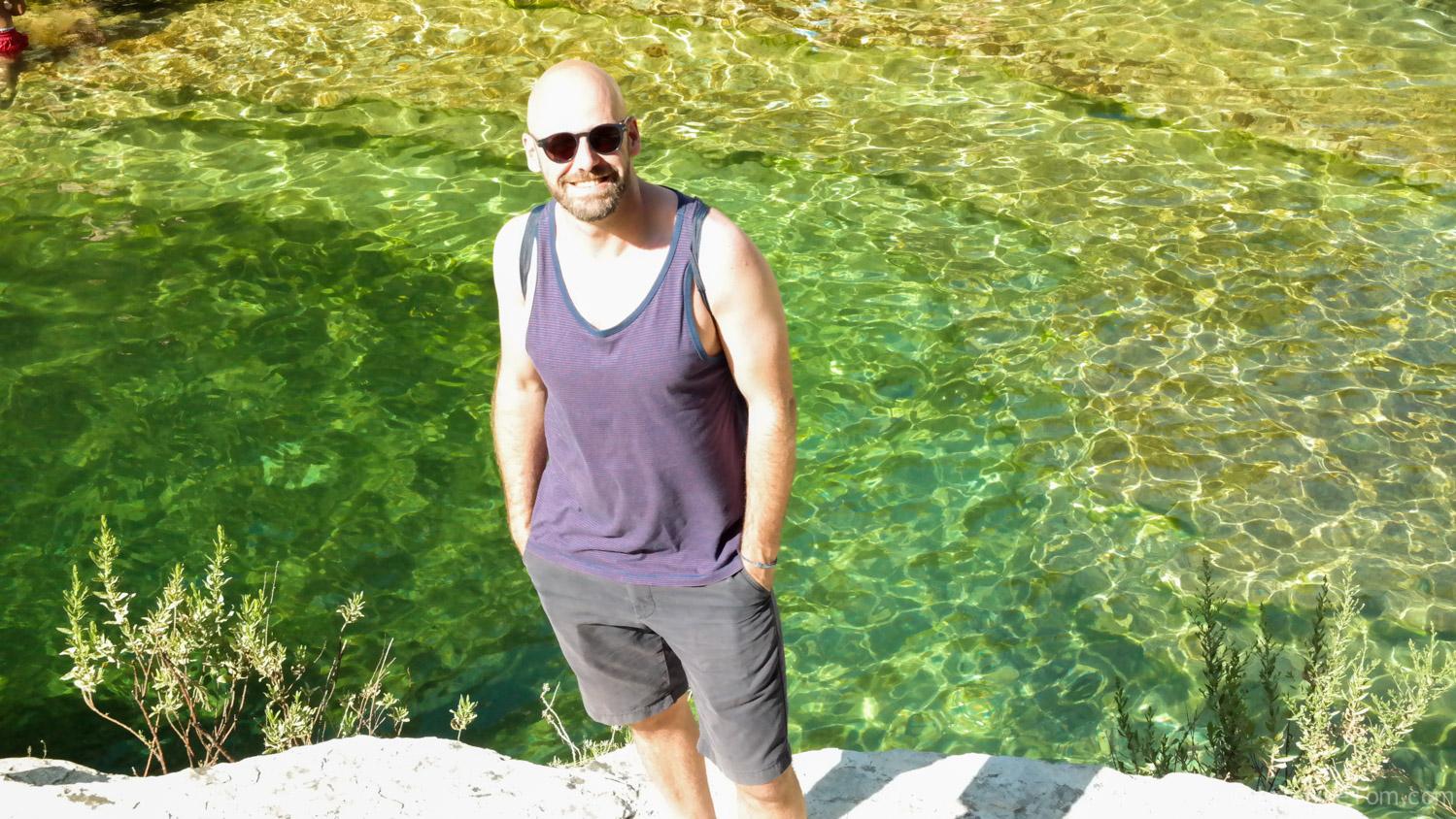 gay travel blogger LiveLikeTom hiking Cavagrande del Cassibile Sicilië wandelen